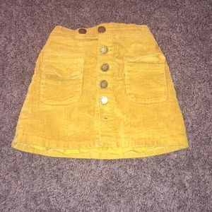 Other - Girls 3T skirt missing 1 button at the bottom